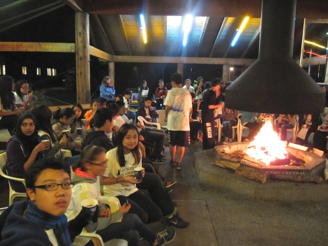 Hot chocolate and cookies make for a sweet campfire singalong!